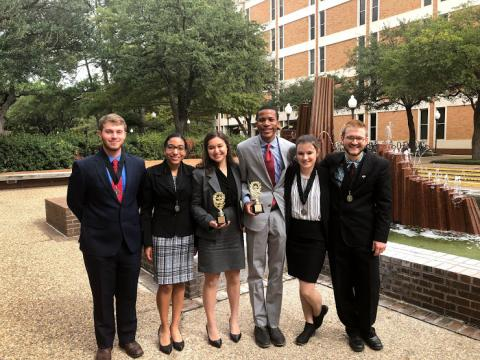 UL Lafayette Moot Court team with awards